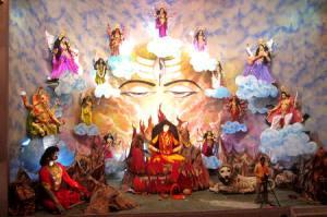 """""""As nove formas de Durga"""" exposto em Benares, Uttar Pradesh, Índia."""
